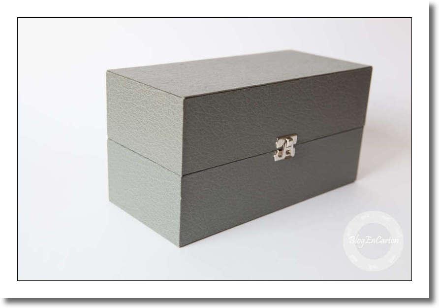 cartonnage blog en carton. Black Bedroom Furniture Sets. Home Design Ideas